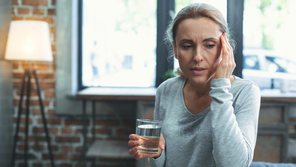 woman with shortness of breath coronavirus protect yourself